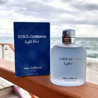 New in stock!!!  𝗟𝗶𝗴𝗵𝘁 𝗕𝗹𝘂𝗲 - 𝗗𝗼𝗹𝗰𝗲 & 𝗚𝗮𝗯𝗯𝗮𝗻𝗮  Beach fragrance from Dolce & Gabbana. Heavy on the tropical, citrus-fuity and aquatic.  The fragrance opens with citrusy notes of mandarin and frozen grapefruit. The heart of juniper and a salty marine accord is wrapped up by the base of amber wood and musk.  Buy 1ml, 3ml & 5ml samples at lshamanparfums.com 𝗙𝗥𝗘𝗘 𝗦𝗛𝗜𝗣𝗣𝗜𝗡𝗚 - 𝗡𝗢 𝗠𝗜𝗡𝗜𝗠𝗨𝗠 - 𝗢𝗡 𝗔𝗟𝗟 𝗨𝗦 𝗢𝗥𝗗𝗘𝗥𝗦  #men #menfragance #d&g #lightblue #luxuryfragance #scenteoftheday #lshaman #perfumesamples #shopdecants #decants #perfumedecants #sotd #perfumelover #fragrantica #fragrance #perfume #fragcomm #fragfam #iloveperfume #lshaman #samples #dicoveryset #decants #miami #seller #newin #stock #freshfragance #addictedtoperfume #newfragance